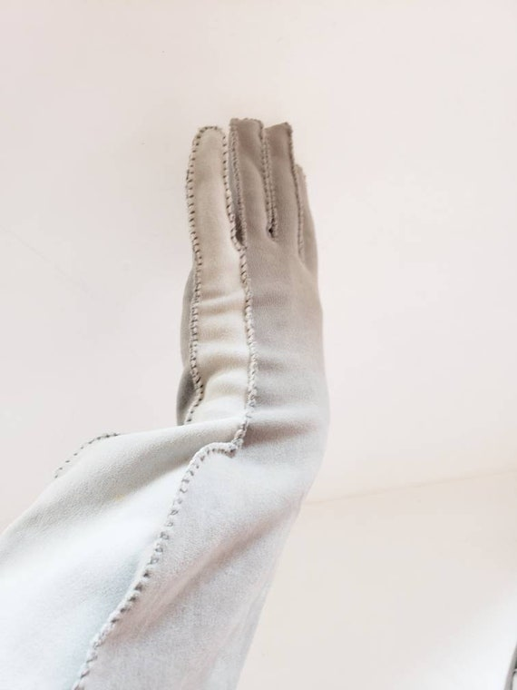 1940s Two Toned Gray Gloves Gauntlet Style / 40s … - image 10