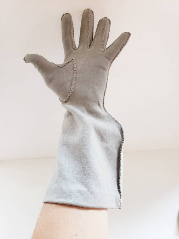 1940s Two Toned Gray Gloves Gauntlet Style / 40s … - image 5