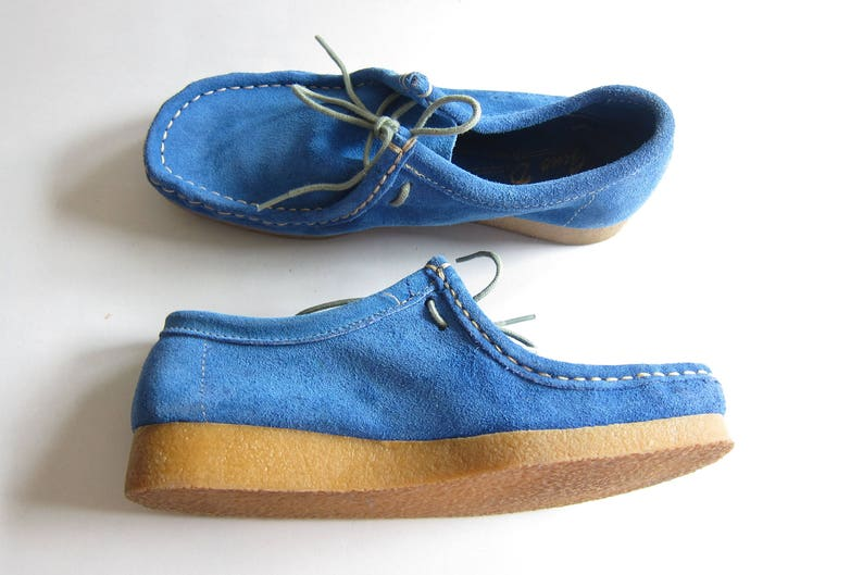 5741c127998f1 1970s Blue Shoes / 70s Blue Suede Shoes / Lace Up Shoes by Gino D Donato  Marrone with Rubber Soles / 6