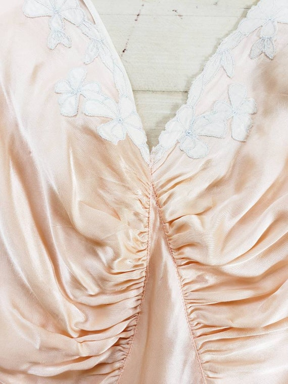 1930s Pink Silk Bias Cut Nightgown Negligee Night… - image 3