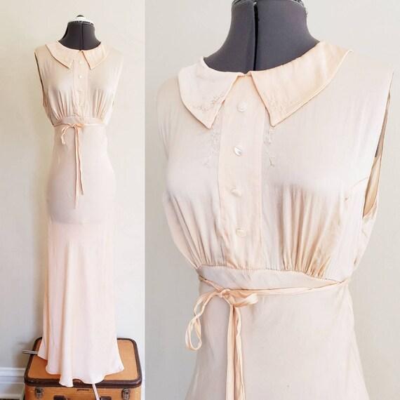 1930s Pink Silk Bias Cut Nightgown Negligee Nightd