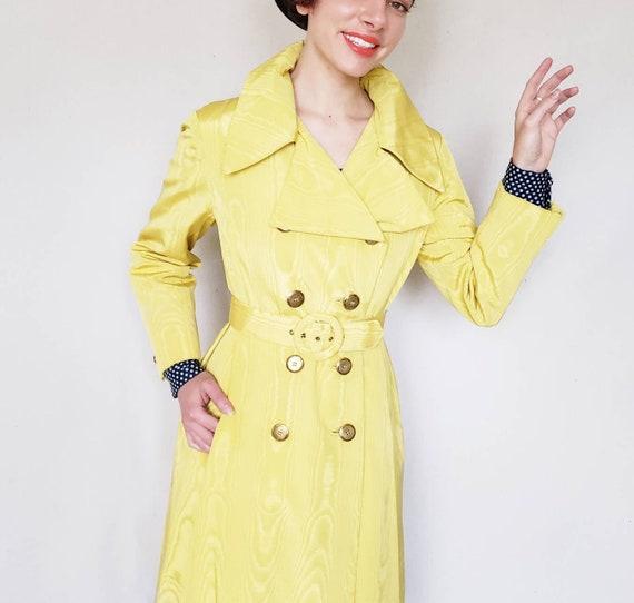 années 1960 jaune manteau  60s Mod manteau   Moire cascade   Etsy f613b0557f6