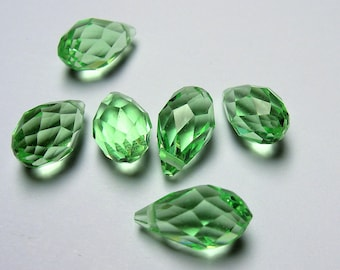 Faceted teardrop crystal briolette beads - 25 pcs - 13mm x 8mm - top sideways drill - Soft green  - CRTD18