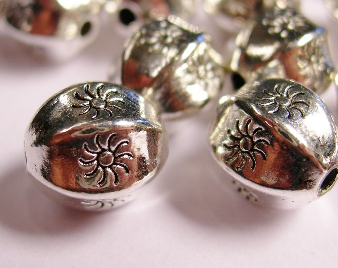 Silver color  beads hypoallergenic- 20 pcs -  oval silver engraved sun - ZAS126