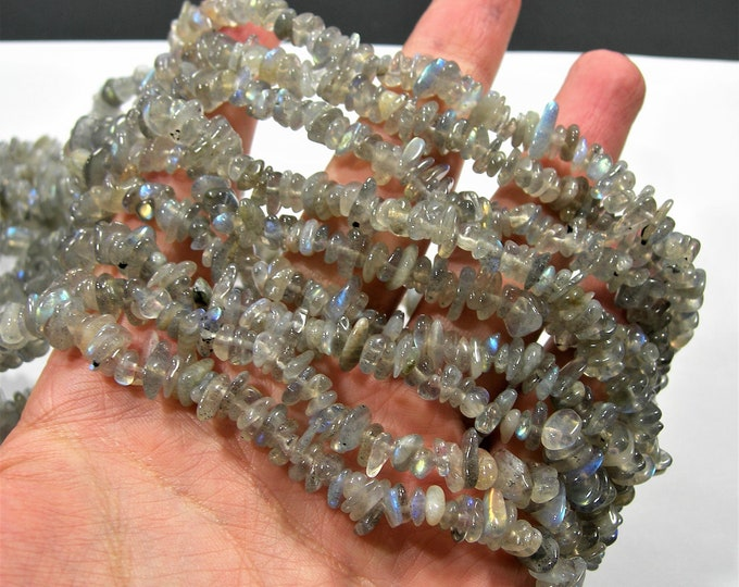 Labradotite gemstone bead -  35 inch full strand - pebble  chip stone - RFG1855
