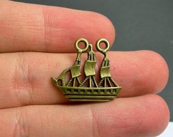 12 Sail ship charms - antique bronze Sail boat  charms - BAZ117