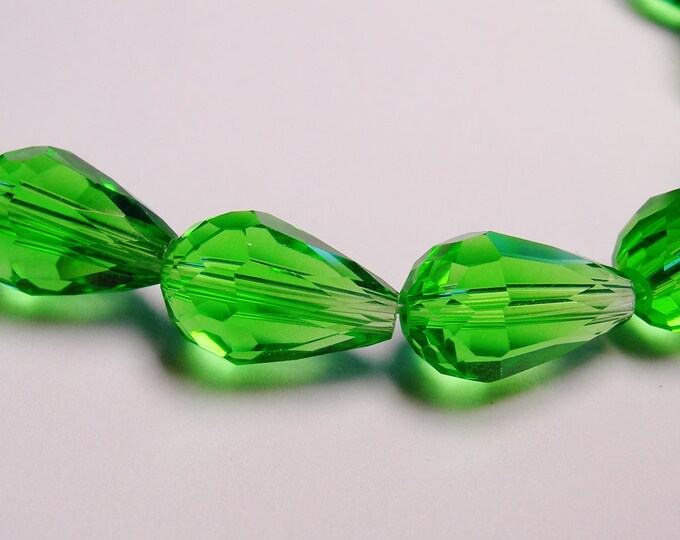 Faceted teardrop crystal  beads 20 pcs 11 mm by 7mm vivid peridot green - NCBS9