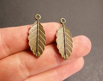 Leaf charms - 24 pcs - antique bronze leaf - brass fern leaf charms - BAZ55