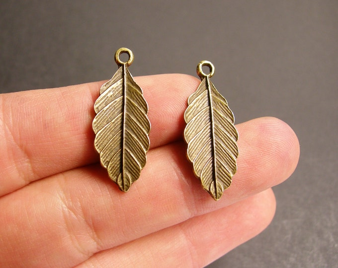 Leaf charms - 24 pcs - antique bronze leaf - brass fern leaf charms - BAZ55