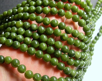 Jade 8mm round - A quality 50 beads - full strand - RFG813