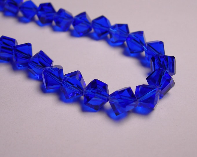 Crystal faceted cube  -  70 pcs - full  strand - 6 mm - A quality - blue color - corner drill