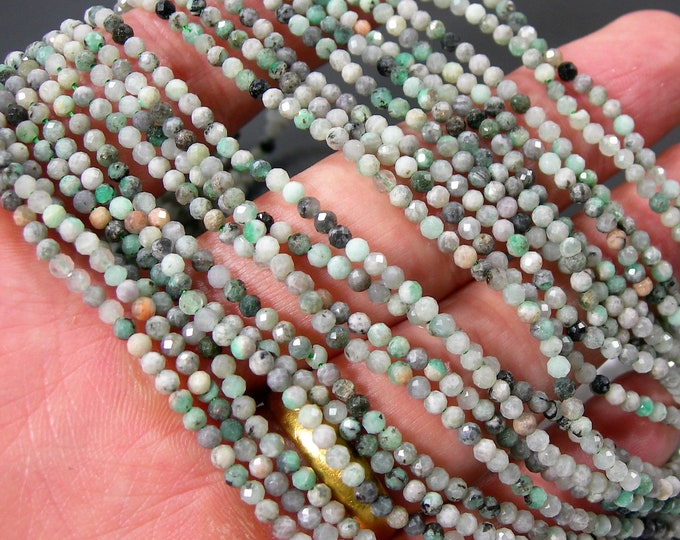 Emerald - 2.5mm micro faceted beads - full strand - econo grade - 158 beads - PG373