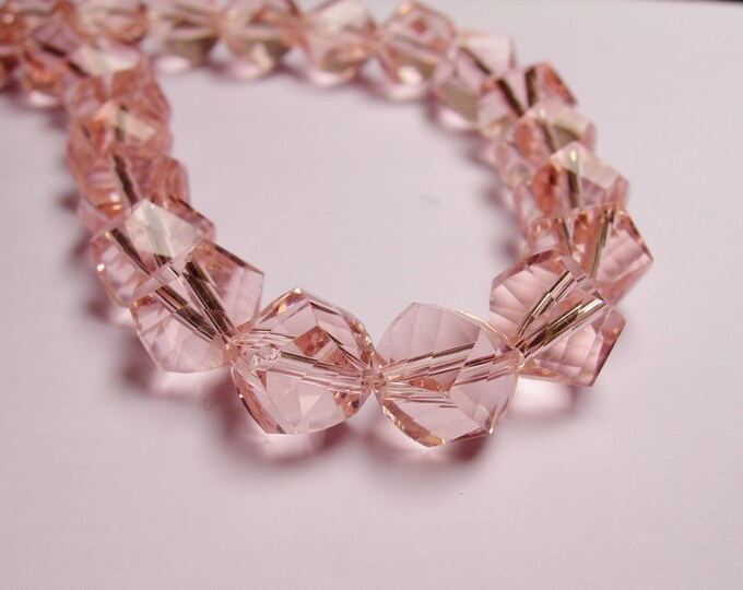 Crystal faceted twisted nugget 9 mm beads - 70 beads - AA quality - Pink - Full 26 inch strand