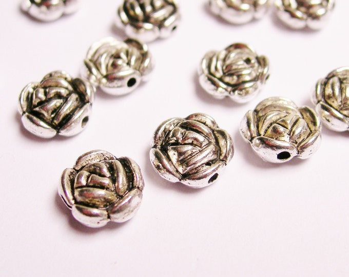 40 engraved roses - Silver color  beads hypoallergenic -40 pcs - engrave flower - ASA58