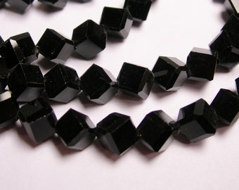 Crystal faceted cube  -  70 pcs - full  strand - 6 mm - A quality - black - corner drill