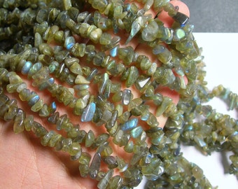 Labradorite gemstone - chip stone - pebble-  nugget - bead - 36 inch -full strand - PSC211