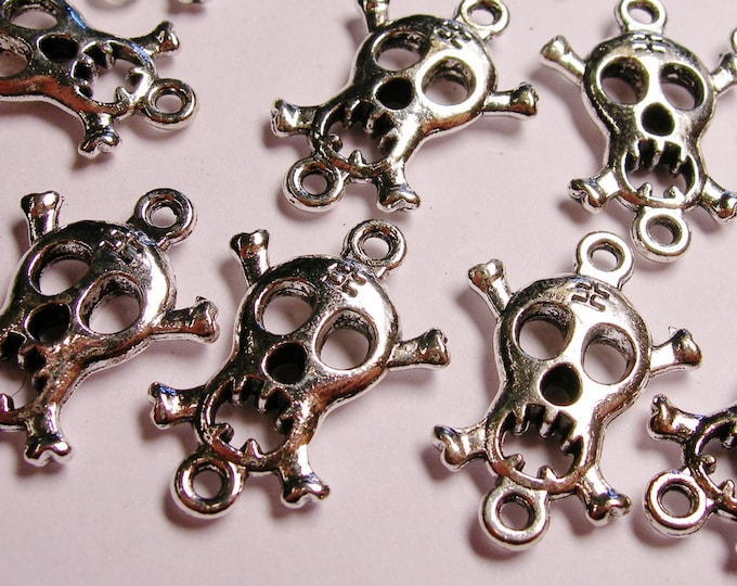 Skull Silver color charms hypoallergenic- 20 pcs - double holed - ZAS - 82
