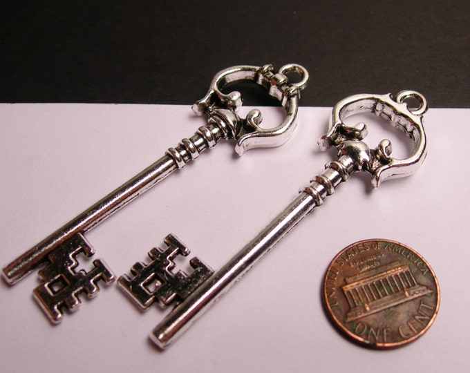 2 silver key charms - silver tone key charms  - 2 pcs -  ASA120