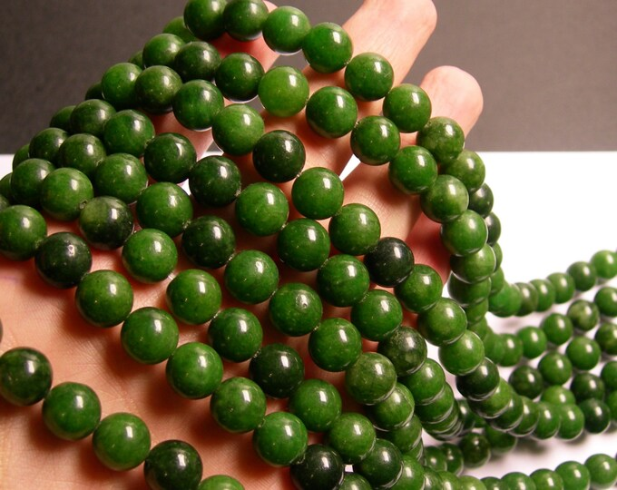 Jade - 10 mm round beads -1 full strand - 39 beads - color - green Jade - WHOLESALE DEAL - RFG730