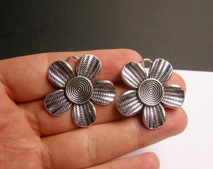 2 Daisy flower antique silver tone charms - 2  pcs - 34mm -  ASA81