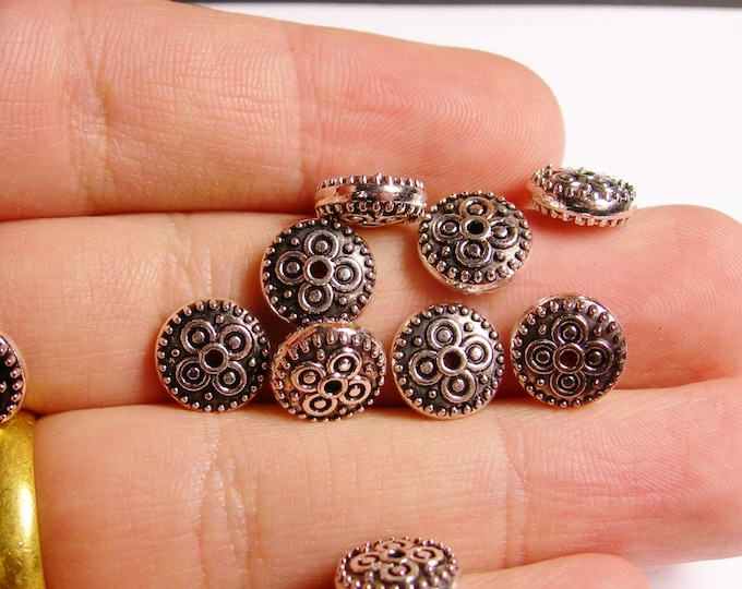 24 round disc classic tibet silver antiqued tone beads  - 24 beads -   ASA34