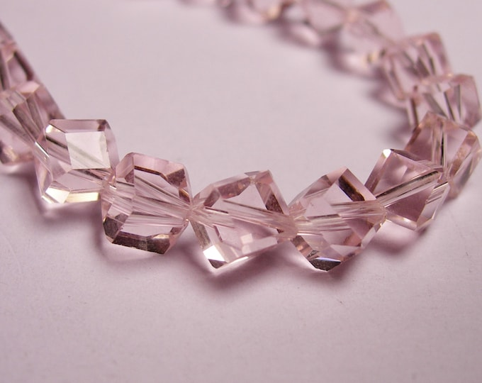 Crystal faceted cube  -  70 pcs - full  strand - 6 mm - A quality - light pink - corner drill