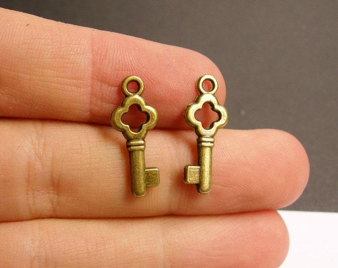Antique key charms - 24 pcs - brass - antique bronze - 22mm by 9mm - BAZ41