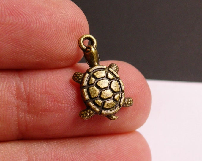 24 turtle charms - antique brass turtle charms - hypoallergenic- 24 pcs - ZAB15