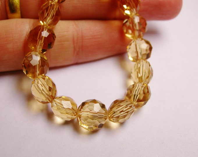 Crystal faceted oval round - 50pcs -  9 mm - AA quality - yellow topaz  -18 inch strand
