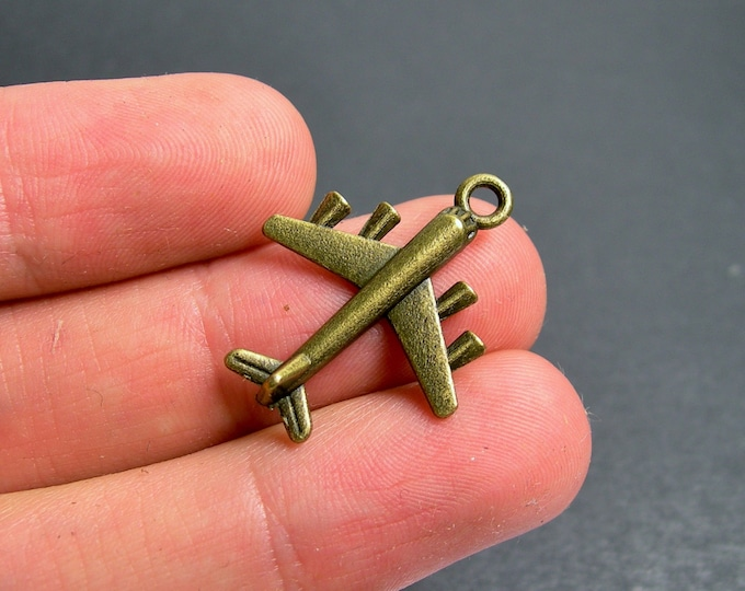 12 Airplane charms - antique bronze brass Airplane charms - BAZ116