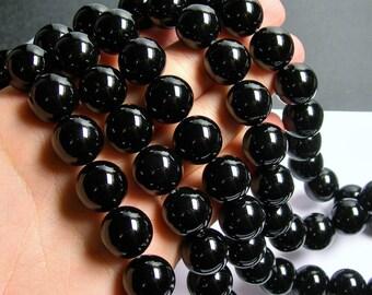 Black Onyx - 16mm round beads -1 full strand - 28 beads - AA quality - RFG460