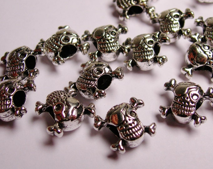 Pirate Skull beads- silver color -  hypoallergenic- 12 pcs - drill sideway - big hole - Naz 10
