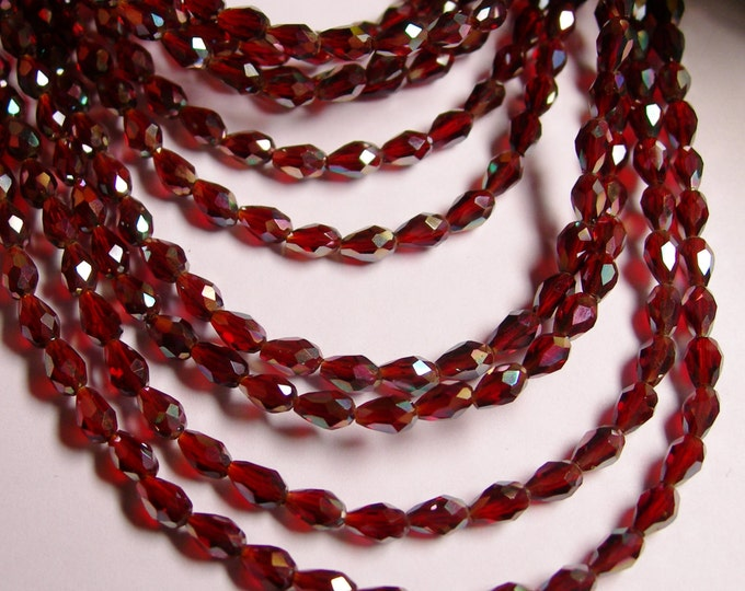 Faceted teardrop crystal beads - 100 pcs - 3mm x 5mm - sparkle red  - CLGD15