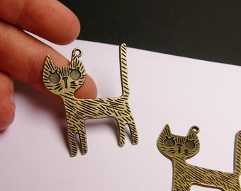 Cat charms - 4 pcs - antique bronze - 43mm by 31mm - engraved cat charms - Baz 23