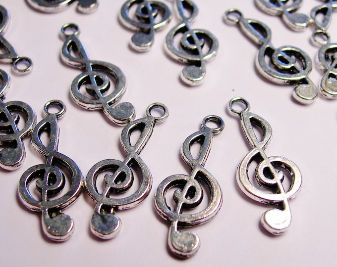 24 Treble Clef charms - music note - 24 pcs - ASA54