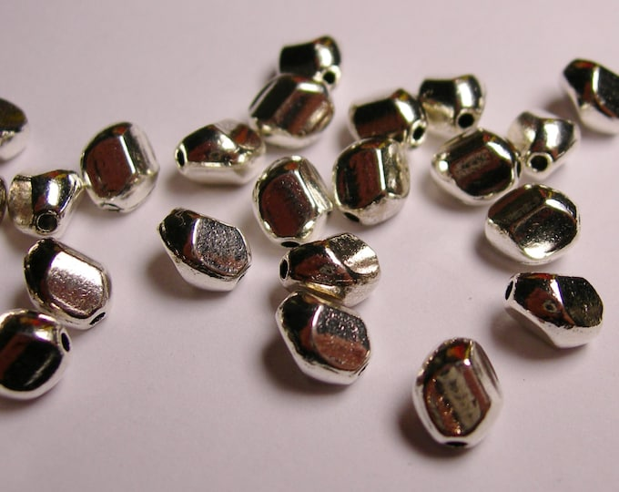 24 faceted silver tone beads - asymmetric  silver beads - 24 beads - WHOLESALE DEAL - ASA30