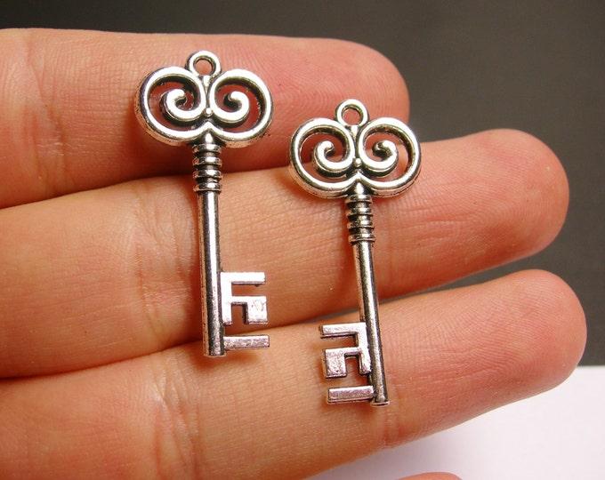 12 silver key charms - silver tone key charms  - 12 pcs -  ASA115