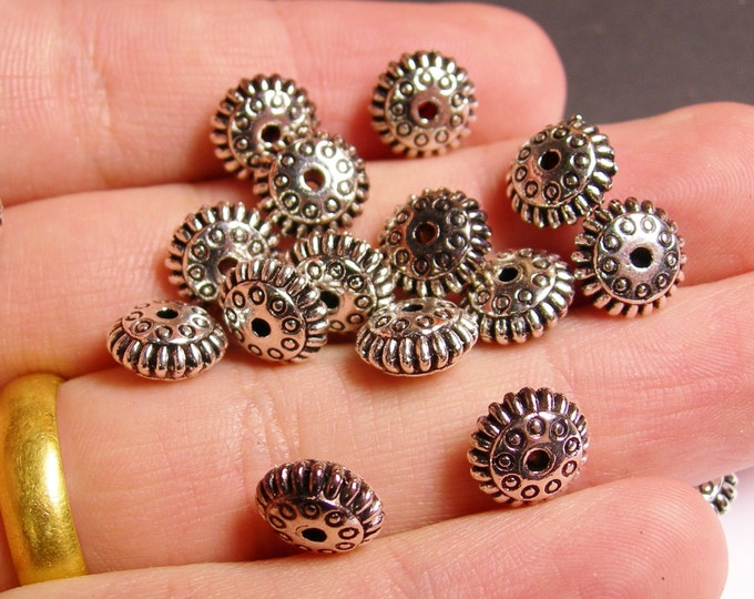 24 round disc textured silver antiqued tone beads  - 24 beads -   ASA33