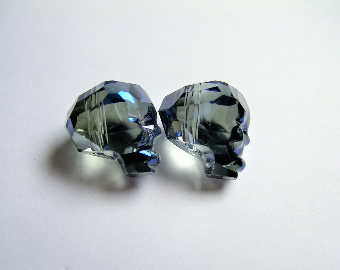 Crystal faceted skull - 2  pcs - 14mm - Dark ocean night blue - SFB13