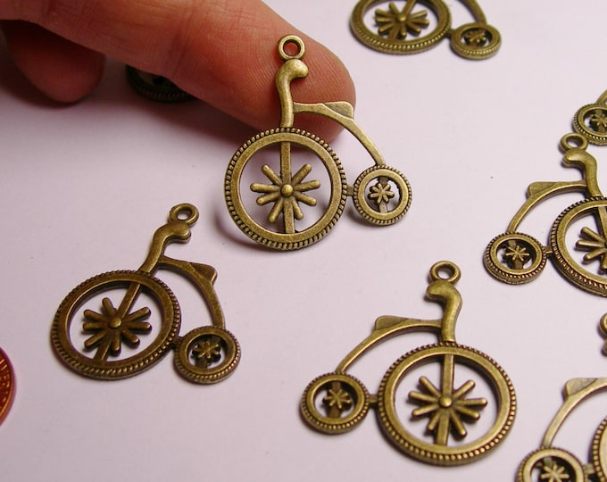 Old Bicycle charms - 12 pcs - brass - antique bronze - Bicycle charms - Baz 10