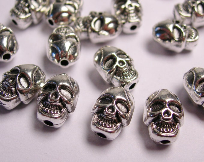 Skull Silver color  beads hypoallergenic- 20 pcs - drill top to bottom - NAZ5