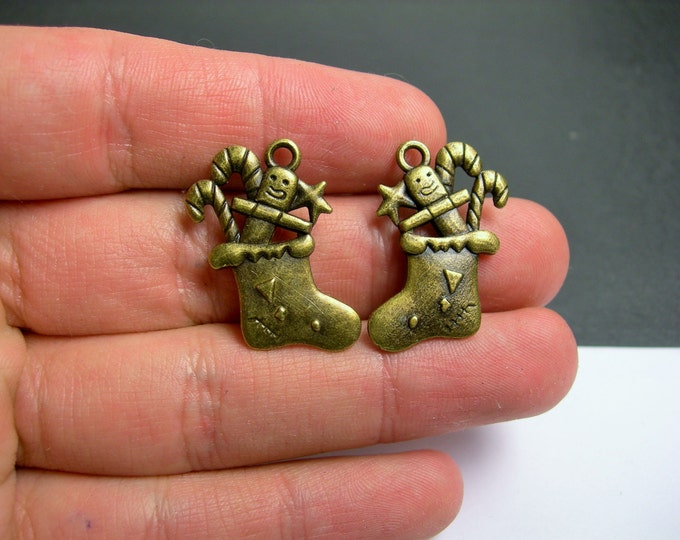 12 Christams stocking charms - antique bronze Christams stocings charms - 2 sided   -  BAZ113