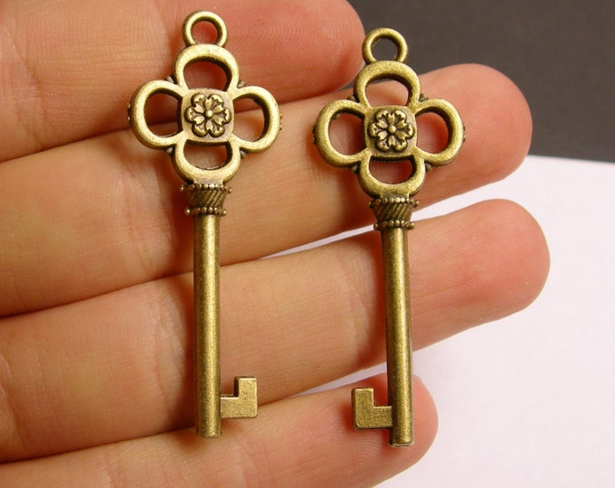 Antique key charms - 10 pcs - brass - antique bronze - 52mm by 19mm - BAZ38