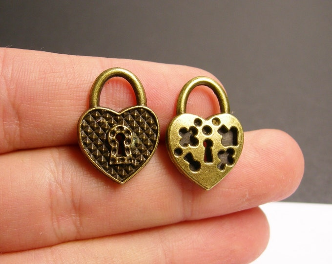 12 heart lock charms - 12 pcs - antique bronze brass heart lock charms -  BAZ67