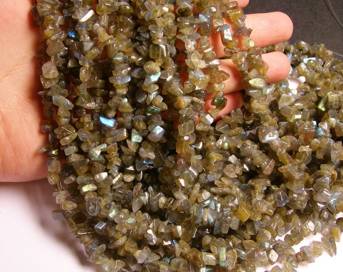 Labradorite gemstone - chip stone - pebble-  nugget - bead - 36 inch -full strand - NRG24