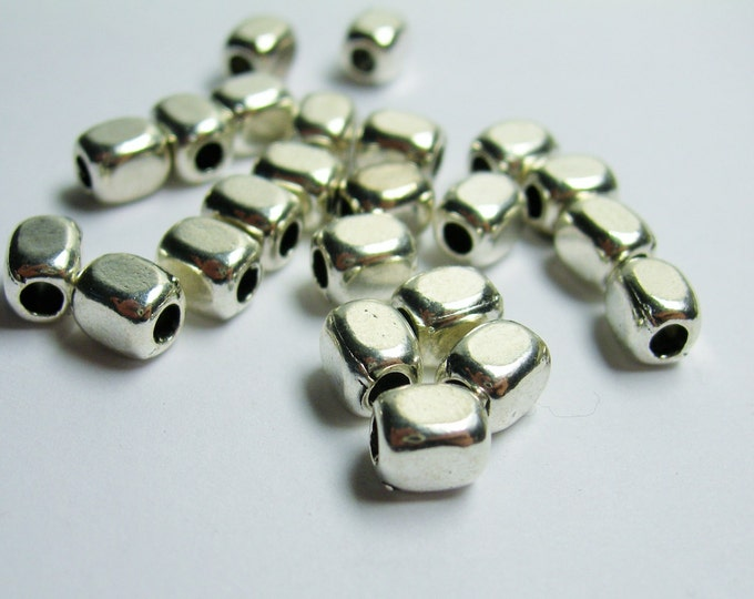 Rectangle tube beads - 24 pcs - silver puff rectangle  beads - ASA178