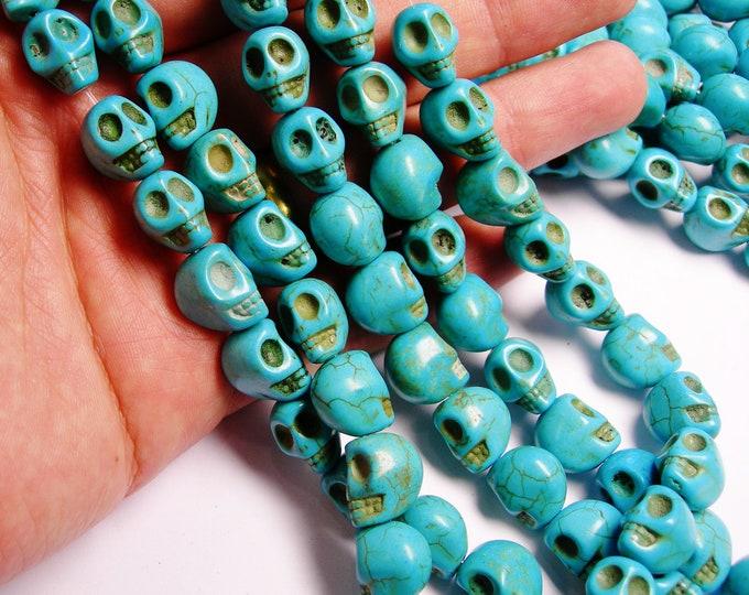 Howlite skull blue  - 10mm  -1 full strand - 41 beads