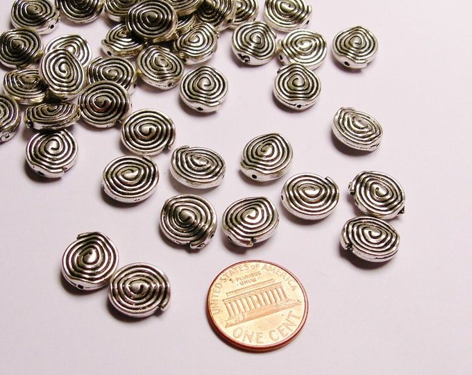 Silver color  beads hypoallergenic- 40 pcs - round spiral engraved silver beads- ZAS 32