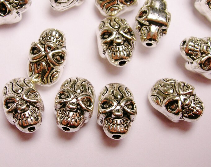 Skull Silver color  beads hypoallergenic- 24 pcs - drill top to bottom - ZAS -10