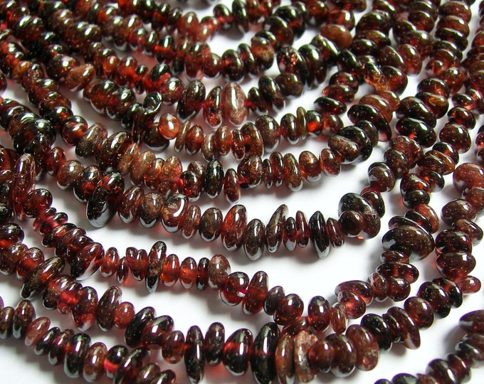 Garnet - chip stone pebble beads - 36 inch strand  - red garnet  - PSC162